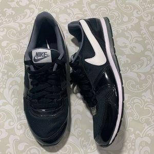Nike Eclipse women's size 8.5 LIKE NEW